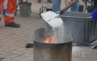 PyroBubbles beim Löschen des Ölbrands